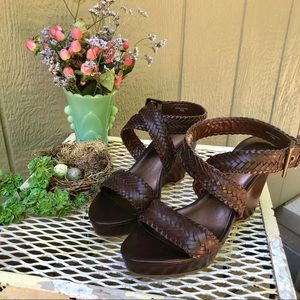 Ann Taylor Brown Leather wedges EUC sz 7.5